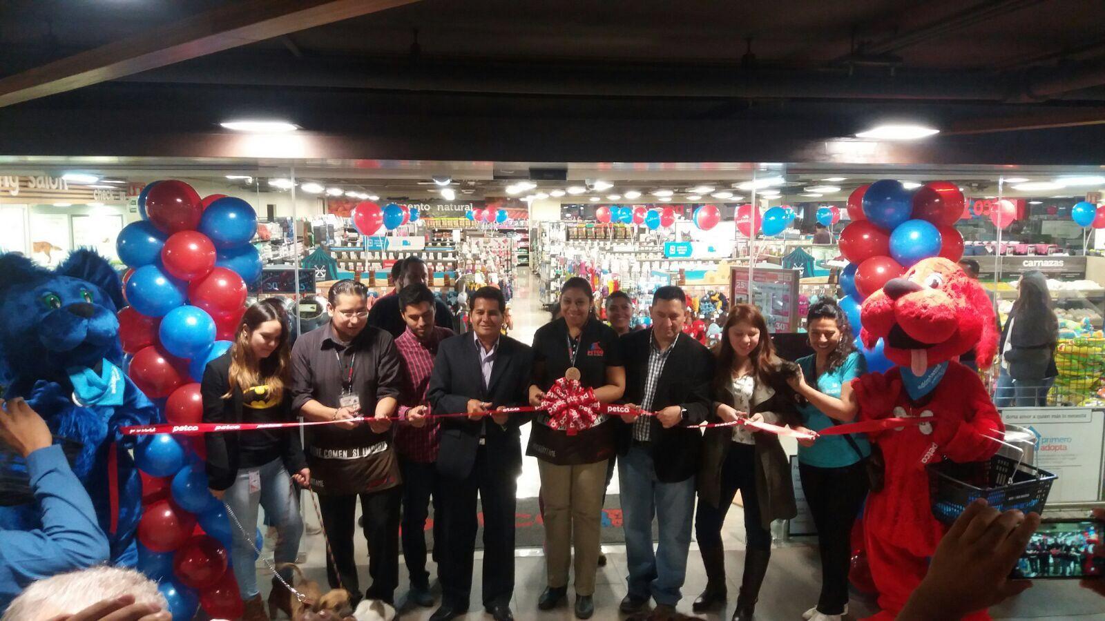 Fotografia Inauguración Petco Sucursal Ajusco