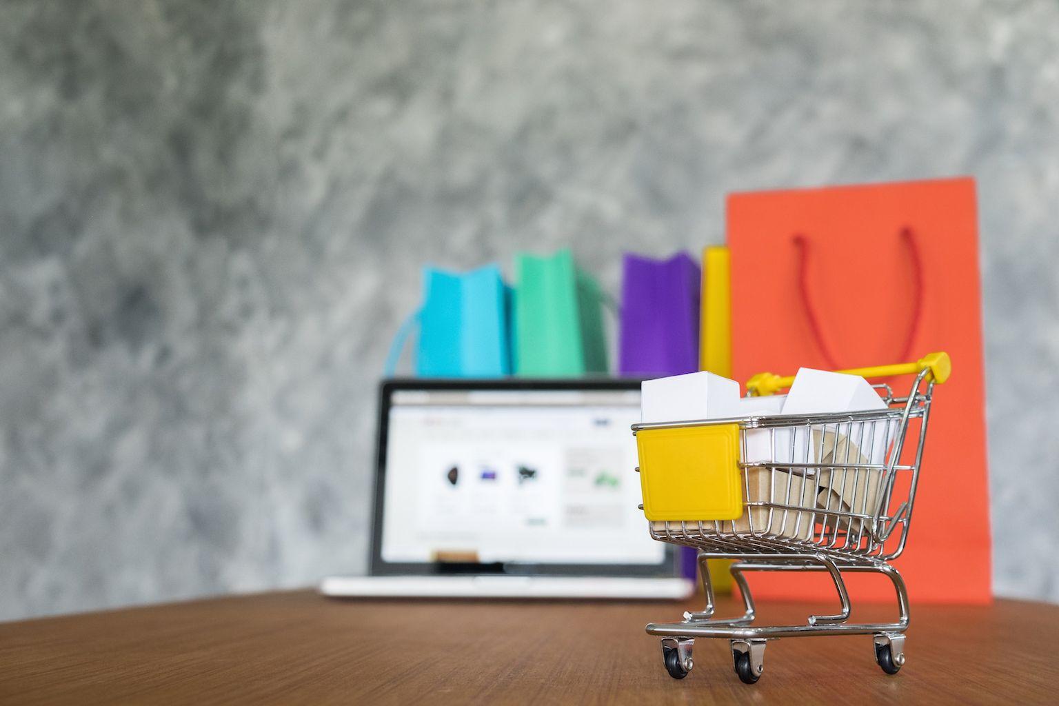 Ocho consejos para proteger tus compras online de regreso a clases