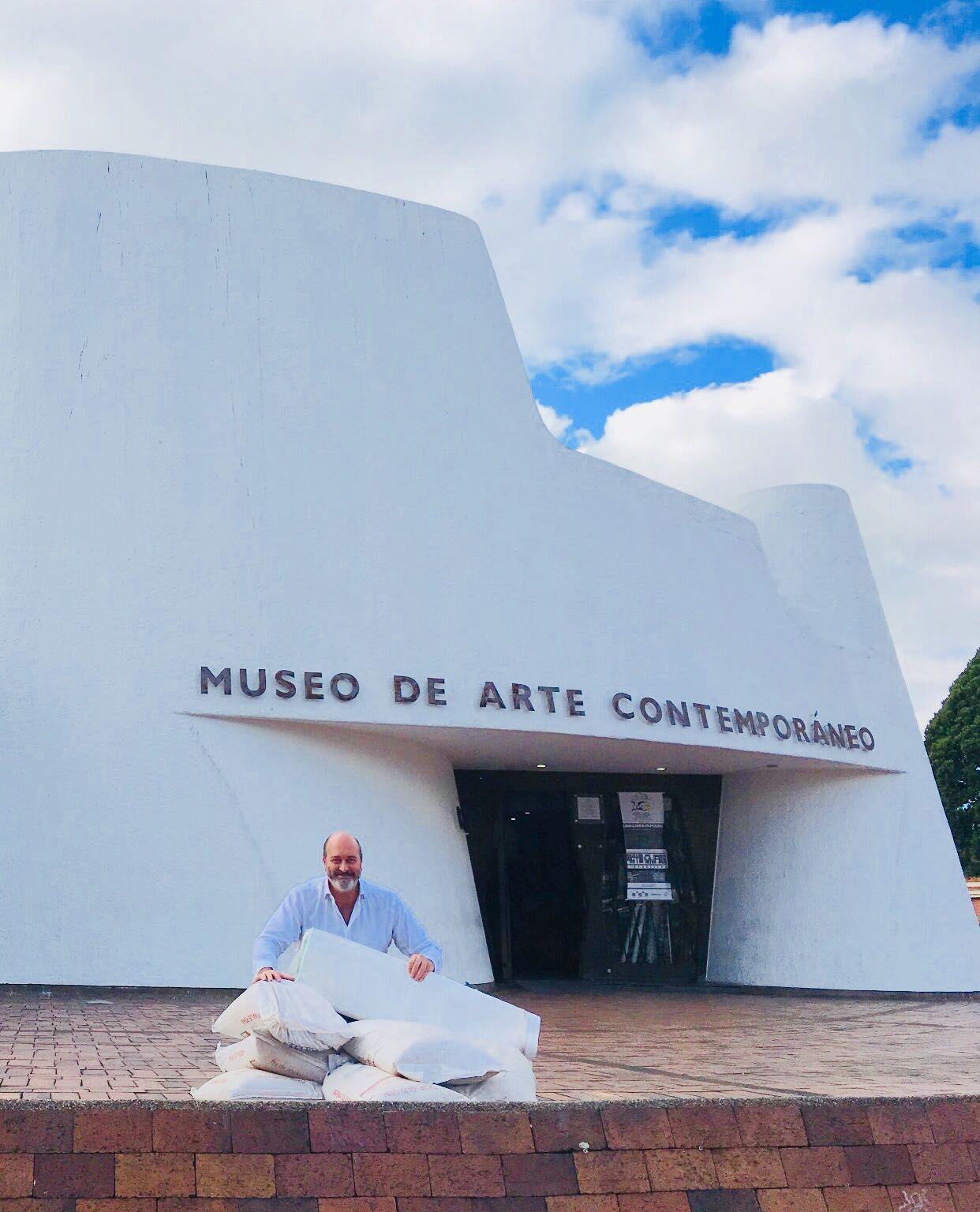 Fotografia José Cosme en el MAC Bogotá