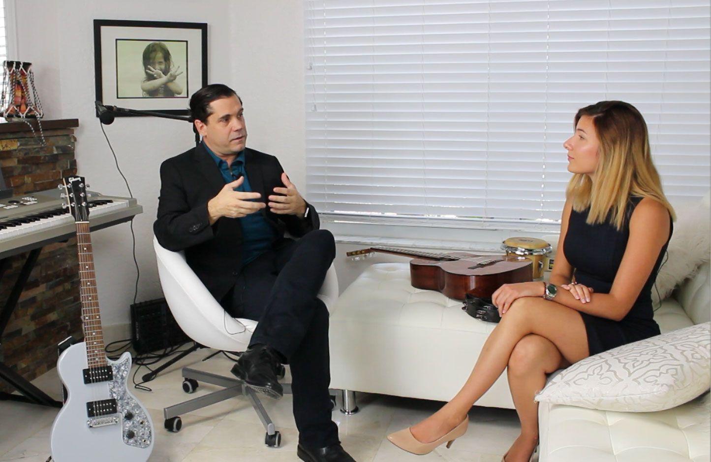 Fotografia Vicente Jubes, CEO Melodic Online con Maria Amado de