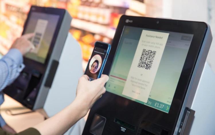 Fotografia NCR automatiza la aprobación de edad en el Self-Checkout