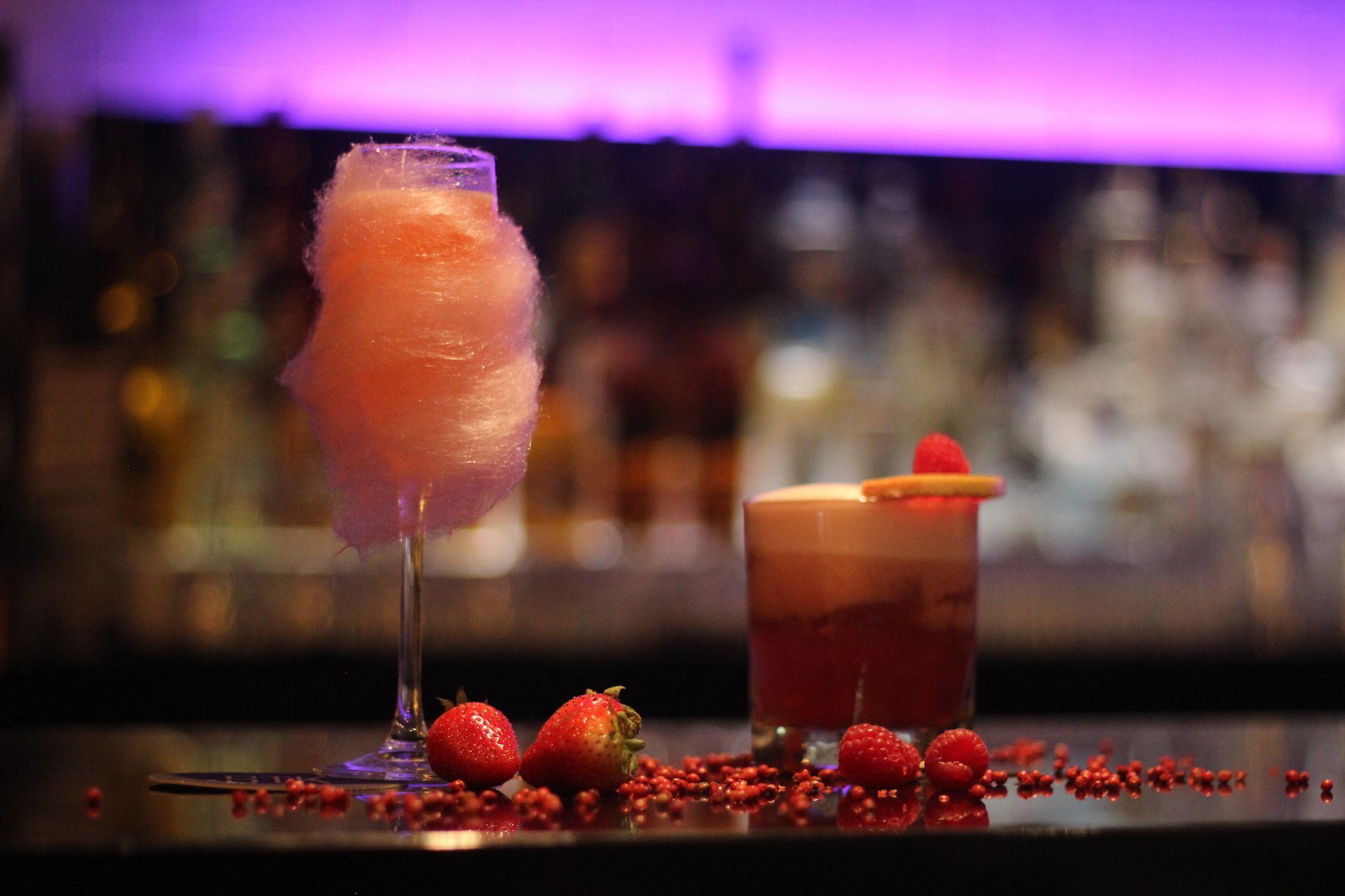 Fotografia Cocktails especiales de color rosa: Hope y Fighter
