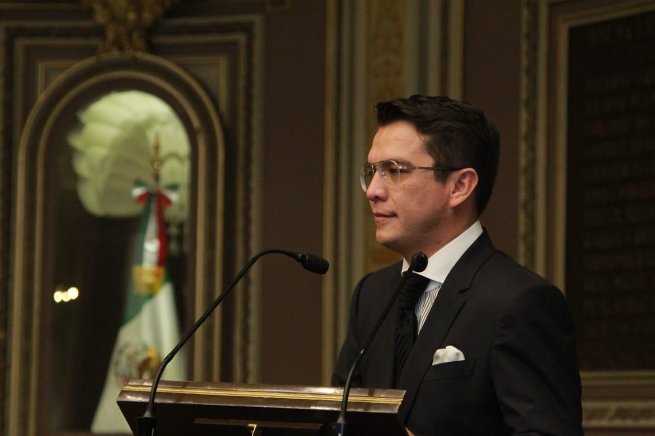 Gerardo Islas presenta iniciativa que regula el uso de motocicletas para disminuir la delincuencia