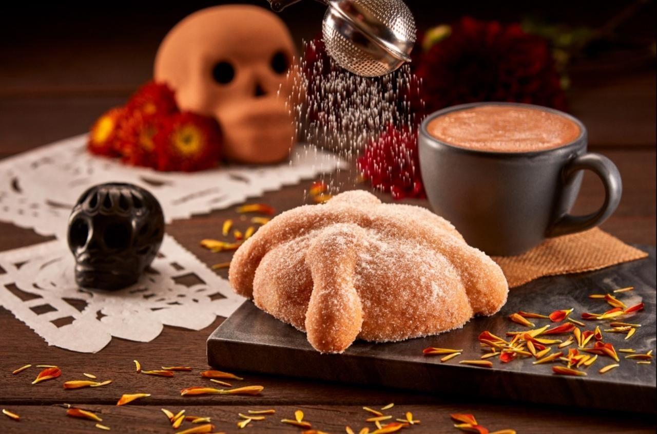 Fotografia Pan de Muerto y Chocolate Caliente