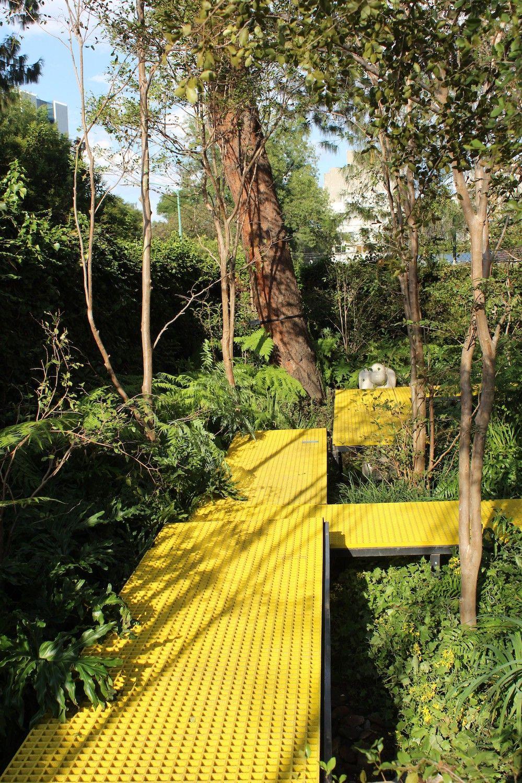 Fotografia Instalación Aplenosol en jardín Design House