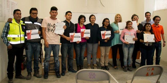 Foto de Colaboradores graduados de Aula Miyana
