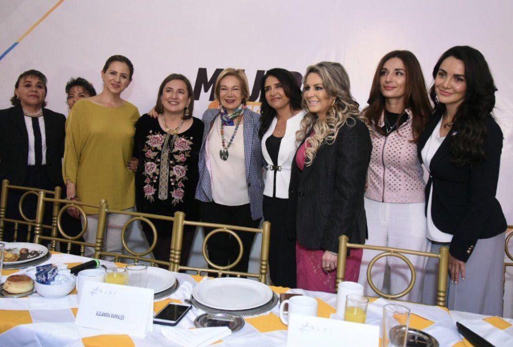 Foto de Gaby Jiménez con Mujeres al Frente