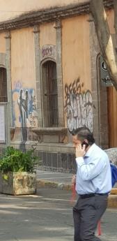 Edificios con grafiti en el Centro Histórico de la Ciudad de México