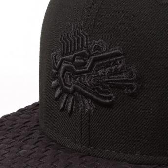 Squalo celebra sus 25 años con una colección de gorras inspiradas en las deidades de la cultura mexicana
