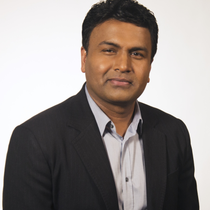 Foto de Subbu Iyer,  Vicepresidente Senior y Director de Marketing de
