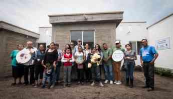 Dona Fundación Gigante viviendas a damnificados por el sismo del 19S