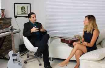 Vicente Jubes, CEO Melodic Online con Maria Amado de Latinon TV