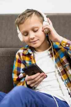 Estudio de Antivirus AVG muestra alerta de los alerta por los dispositivos portátiles de sus hijos