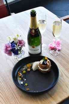 El Lago Restaurante festeja el día dedicado al amor y la amistad