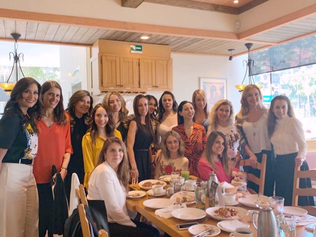 Olive Garden lanza sus nuevos desayunos italianos y lo celebra con un grupo de grandiosas mujeres