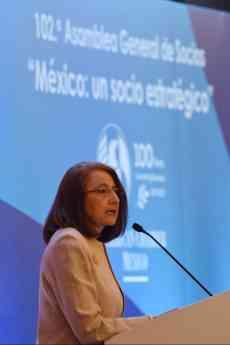 Foto de Subsecretaria Luz María de la Mora en 102 Asamblea de