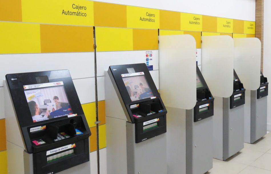 FotografiaBancolombia adquirió cajeros automáticos NCR, que