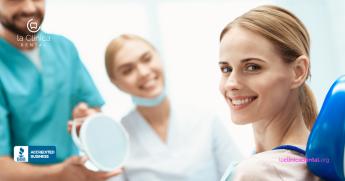 Qué es una corona dental, para qué sirve y las opciones que existen por especialistas de La Clínica