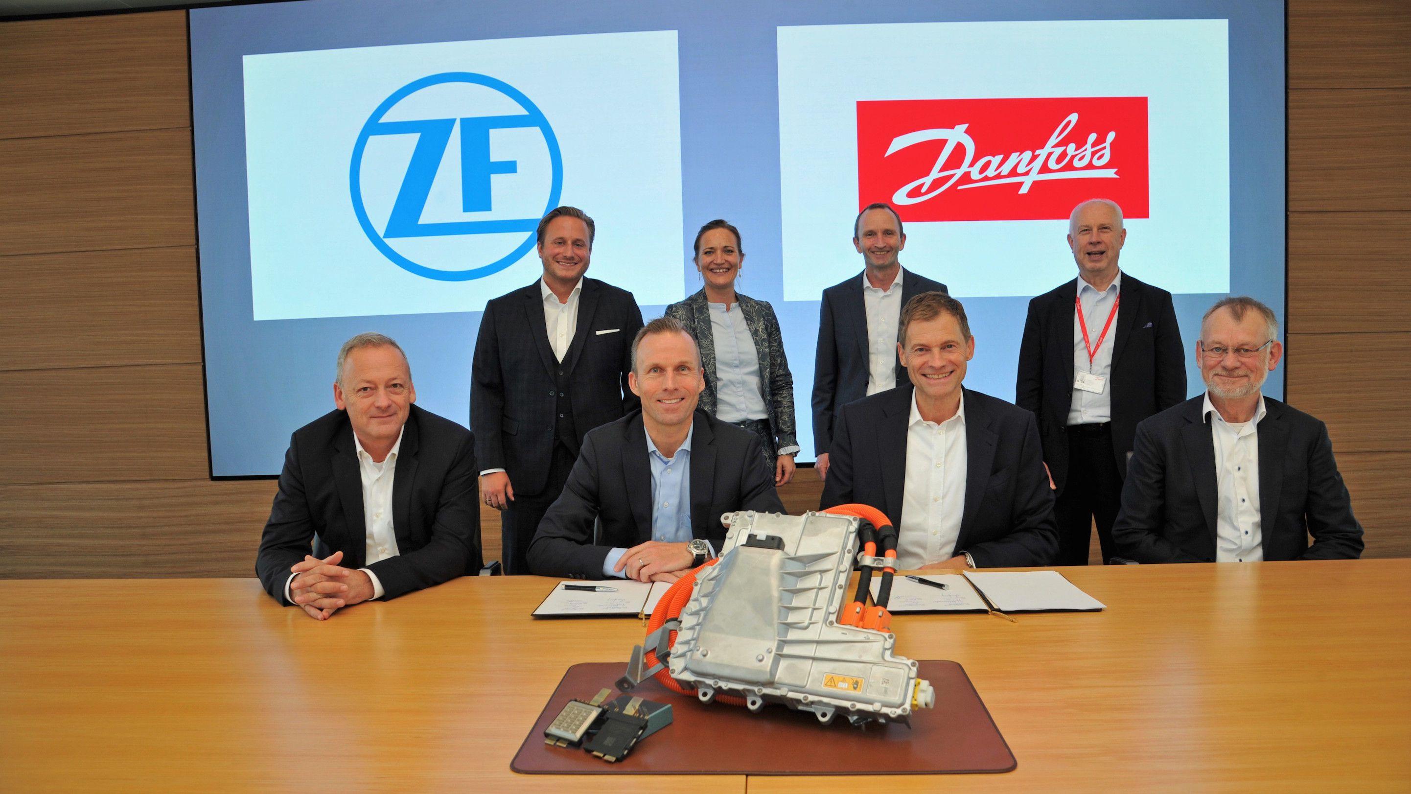 Foto de ZF y Danfoss firman asociación estratégica