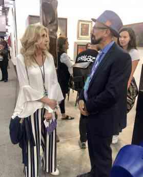 Foto de Luciana Cacciaguerra y el Galerista Oscar Román