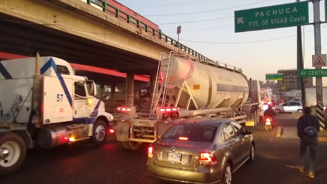 Foto de Bloqueo de Transportista en la Ciudad de México y el Estado