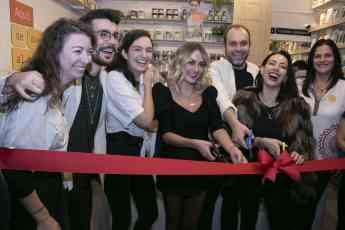 Inauguración tienda YEMA.