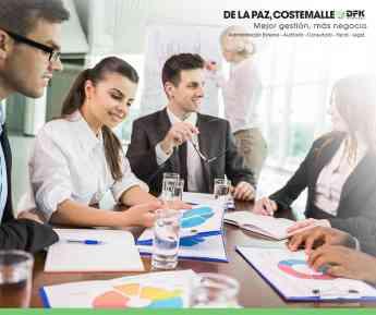 Beneficios de la auditoría externa a empresas por especialistas De la Paz, Costemalle - DFK