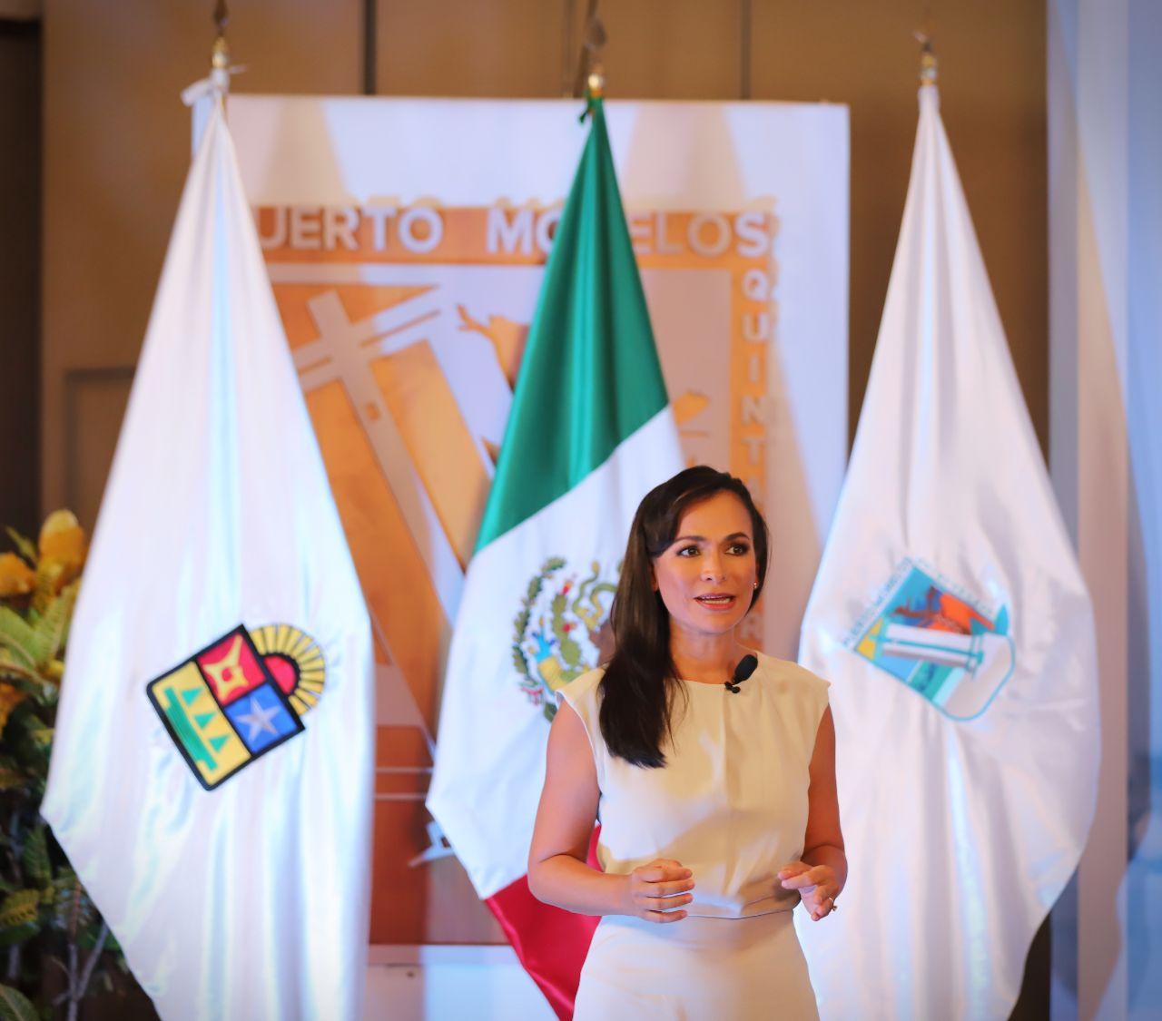 Fotografia Laura Fenandez, presidenta municipal de Puerto Morelos,