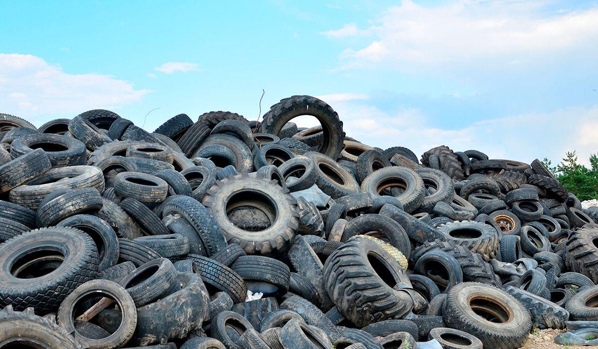 Fotografia Al reciclar lasllantas se transforman en materiales