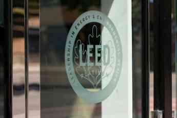 Edificios sostenibles deberían de contar con la Certificación LEED