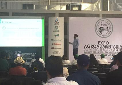 Foto de Conferencia de Symborg en Expo AgroAlimentaria